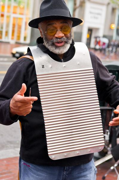 1200px-Washboards_player.jpg