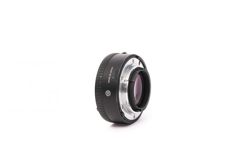 Nikon_0675b.jpg